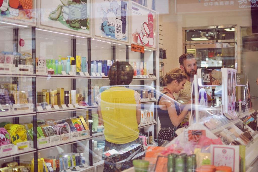 TonyMoly shopping window